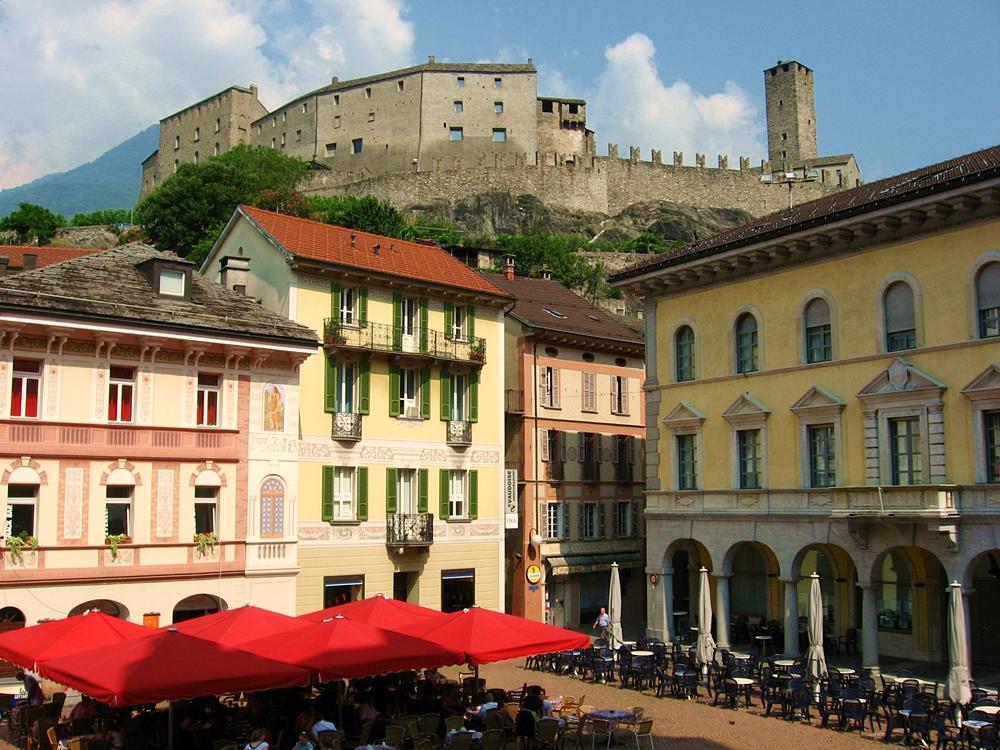 Castillo Bellinzona y centro