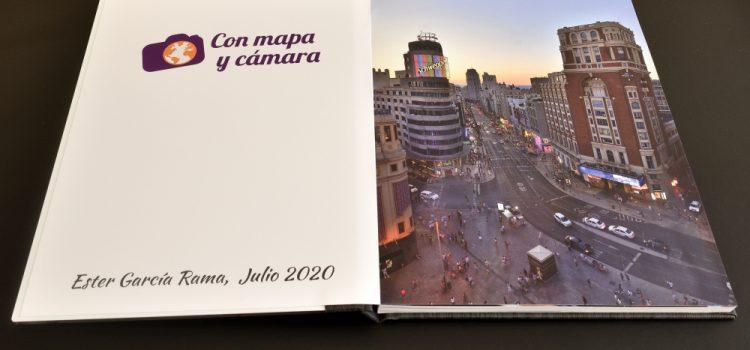 Álbum Saal Digital con mapa y cámara